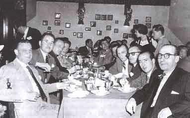 Juan López Sánchez, primero por la derecha