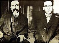 (Nicola Sacco y Bartolomeo Vanzetti durante la parodia de juicio.)