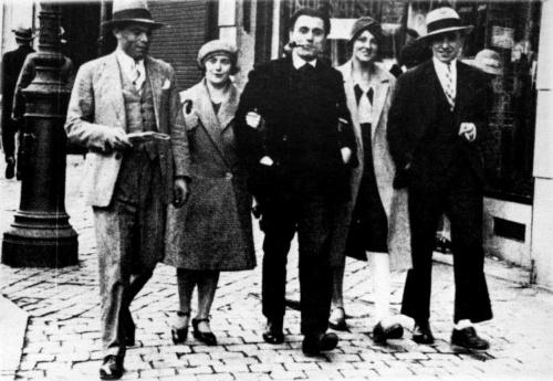 Buenaventura Durruti, Émilienne Morin, Gregorio Jover, Berthe Faber i Francisco Ascaso -París, 1926