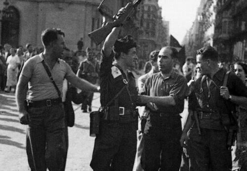 19-juliol-1936-joan-garcia-oliver-celebra-l_xit-anarquista-contra-laixecament-feixista