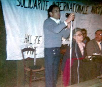 Fernando Carballo en un mitin con Federica Montseny (París, 1977)