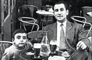 josep-lluis-facerias-paris-1952-con-hijo-companero-1346268448199