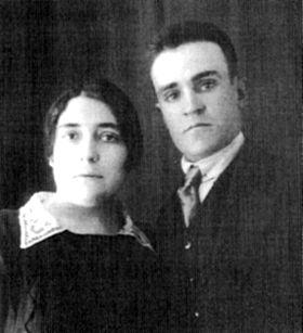 Con su novia Lola Iturbe .