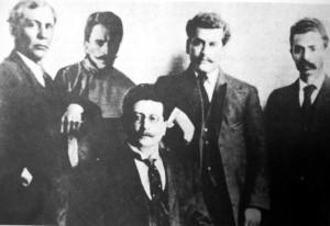 Junta Organizadora del Partido Liberal Mexicano en 1910. Anselmo Figueroa, Práxedis G. Guerrero, Ricardo Flores Magón, Enrique Flores Magón y Librado Rivera