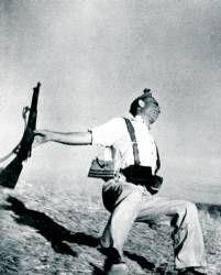 """""""Muerte de un miliciano"""" por Robert Capa"""