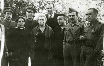 Gregorio Jover junto a Emma Goldman