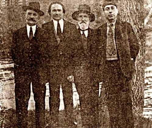 De izquierda a derecha: René Darsouze, Aristide Lapeyre, X. De Limoges y Adrien Perrissaguet