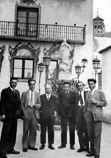De izquierda a derecha: García Vivancos, García Oliver, Louis Lecoin, Pierre Odéon, Francisco Ascaso y Buenaventura Durruti (Poble Espanyol. Montjuïc. Barcelona, mayo de 1931)