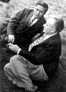 Max Sartin (abajo) con Osvaldo Maraviglia (arriba) en un picnic de italoamericanos durante los años 30