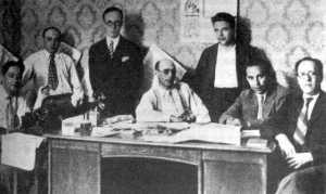 Nueva redacción deSolidaridad Obrera(1923).De izquierda a derecha: Arturo Parera Mali, Fernando Pintado, Muñoz, Liberto Callejas, Manuel Ribas, Vicente Galindo Cortés(Fontaura)y Miguel Terrén Mañero