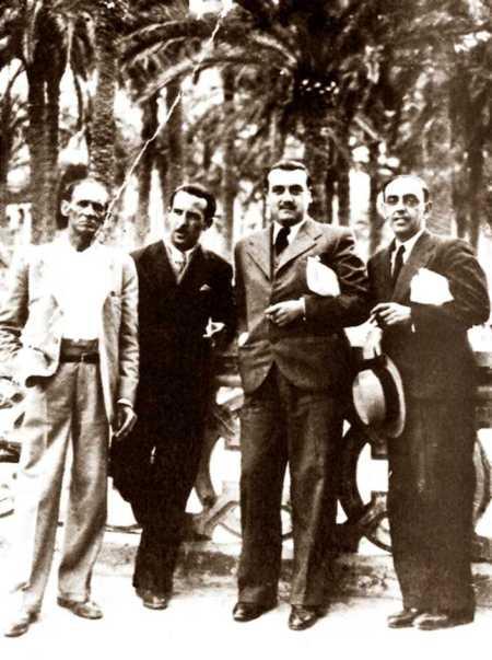 Domingo Germinal, primero por la izquierda, con tres compañeros libertarios alicantinos llevarán los años de la II República española